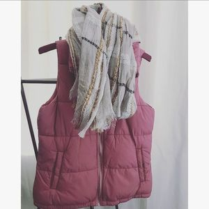 Rose pink old navy cozy PUFFER vest!